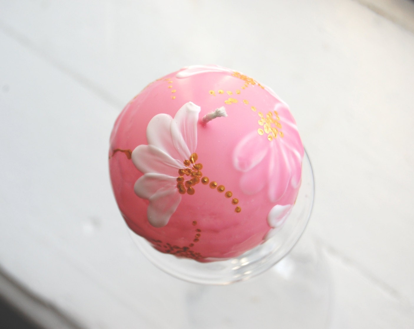 Handpainted Candle Ball 6cm Simply Daisy - LessCandles