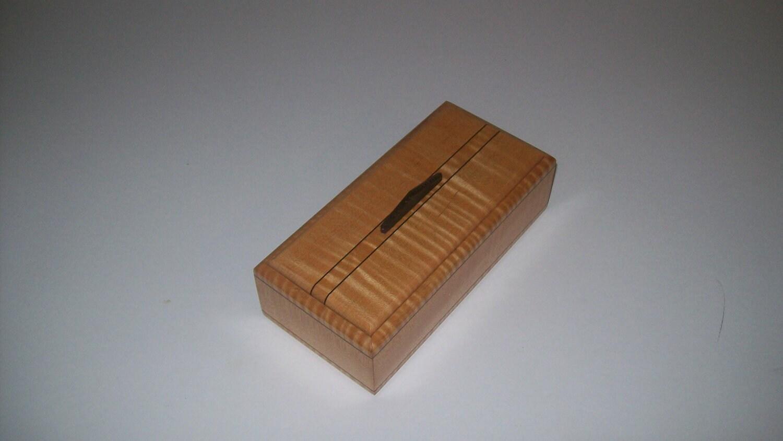 Fiddle Back Maple with Wenge Keepsake Box