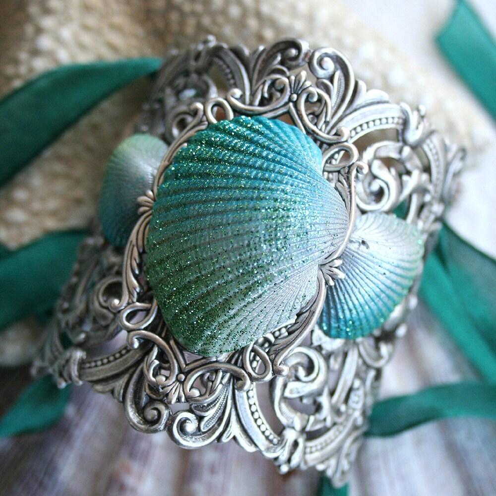BIMINI ISLAND Ocean Shell Fantasy Victorian Vintage Style Cuff Bracelet