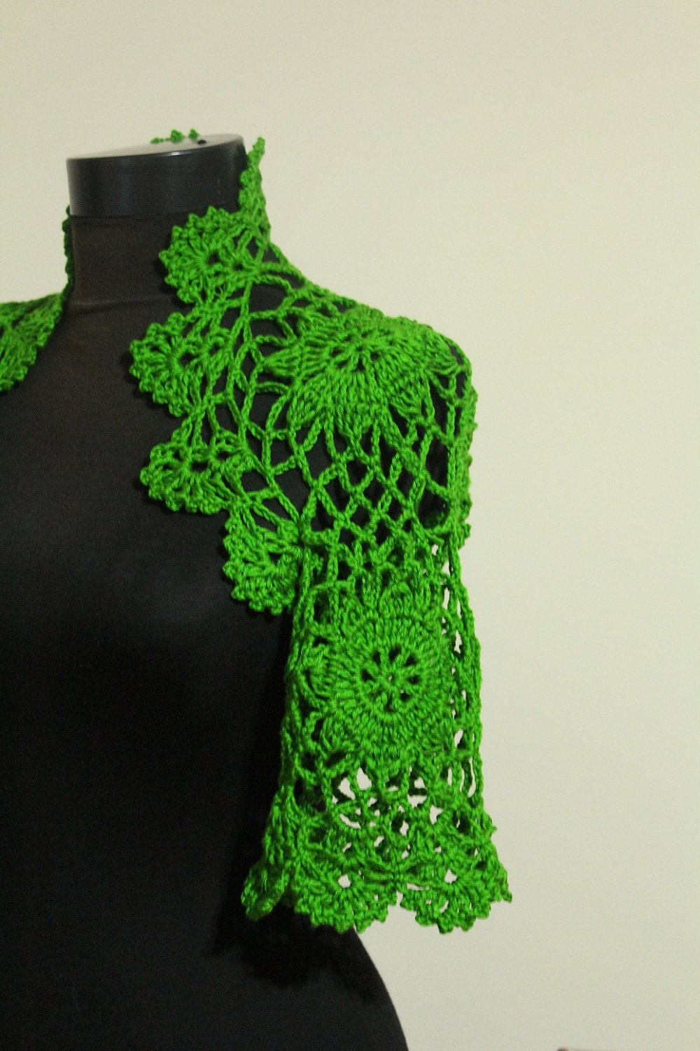 EXPRESS DELIVERY - La Isla Bonita Green Lace Shrug