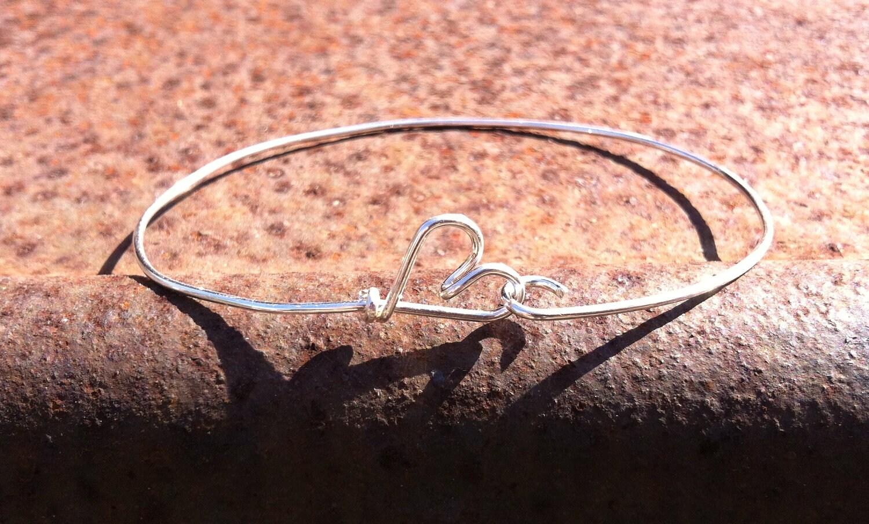 Sterling Wire Heart Bracelet - jewpanesey