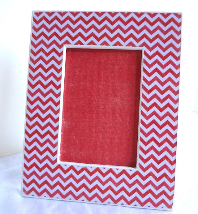 Red Chevron Picture Frame