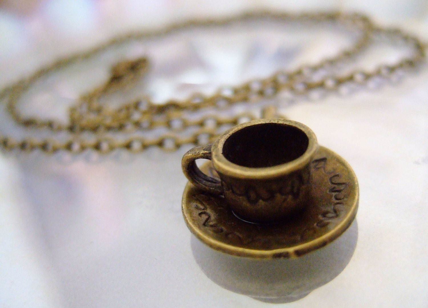 Teacup & Saucer bronze necklace (POC11)