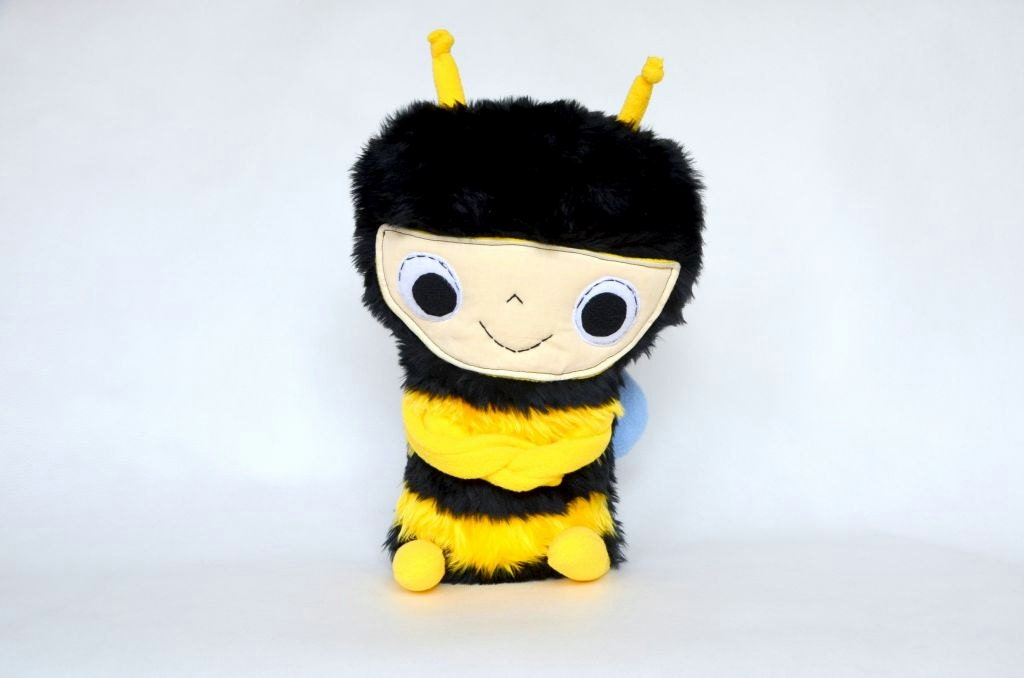Stuffed animall Plush Bee  Soft Safe Baby Toy for Children Plush Fleece. - baraqada