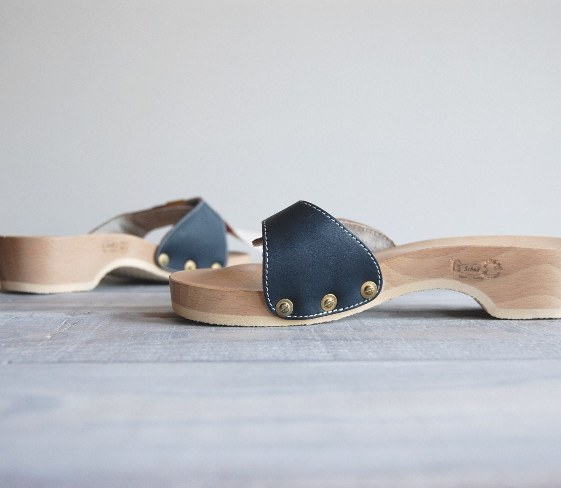 1970s Wood Sandals / Scholls Original Exercise Sandals / Navy Leather with Gold Buckle / Size 6 - reclaimer