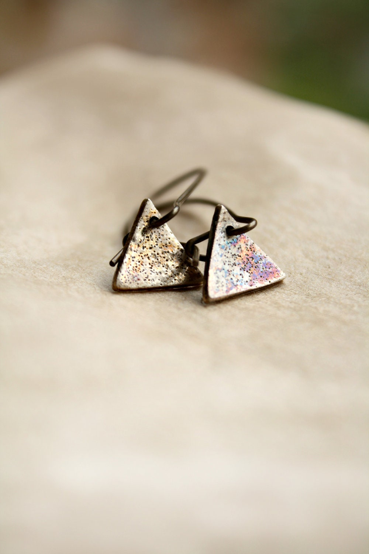 Modern Spring Jewelry, Triangle Silver Metal Earrings,Tiny Dangle Dainty Earrings, Stardust Texture - CaprichosaJewelry