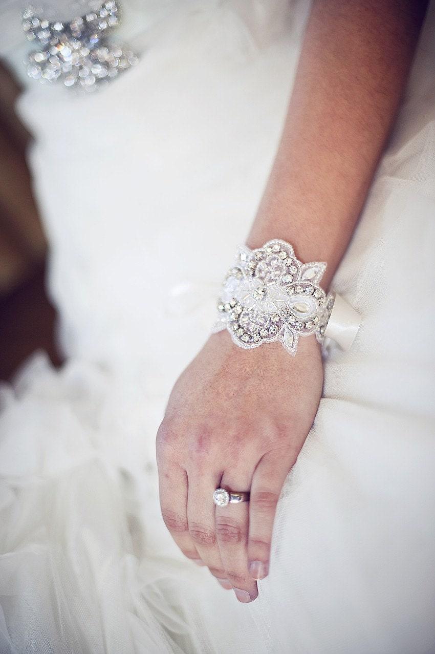 فساتين زفاف فرنسية بالصور روعة il_570xN.234469354.j