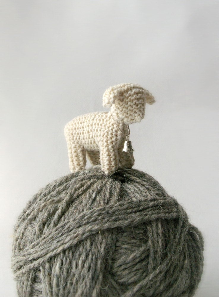 SALE / small small knitted SHEEP / ready to ship - Patricija