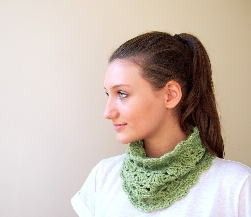 PDF crochet pattern - DIY tutorial - Lace Neckwarmer / cowl spring - Quick and easy gift - Accessorise