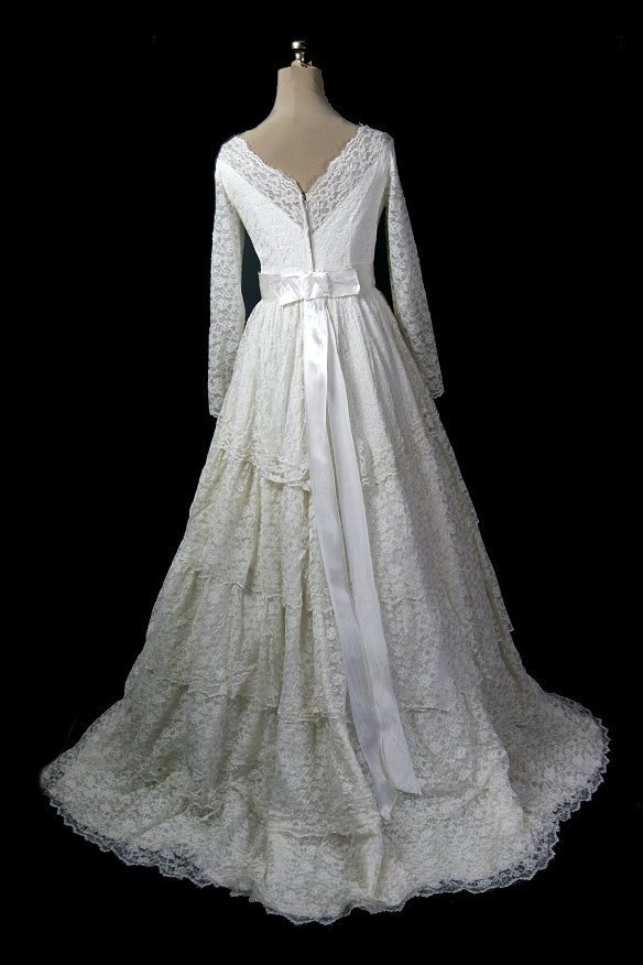 Vintage 1950s Tiered Lace Wedding Dress, Long Sleeves & Illusion Neckline, S / M