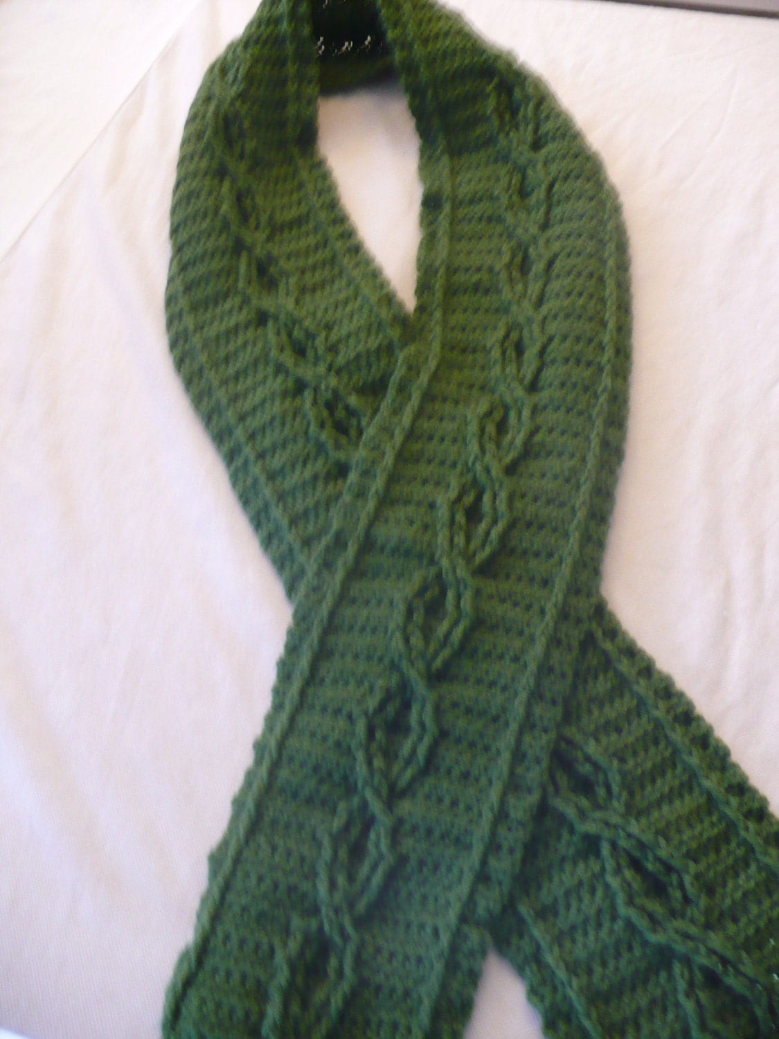 Crochet Scarf Patterns With Cables : Cabled Scarf