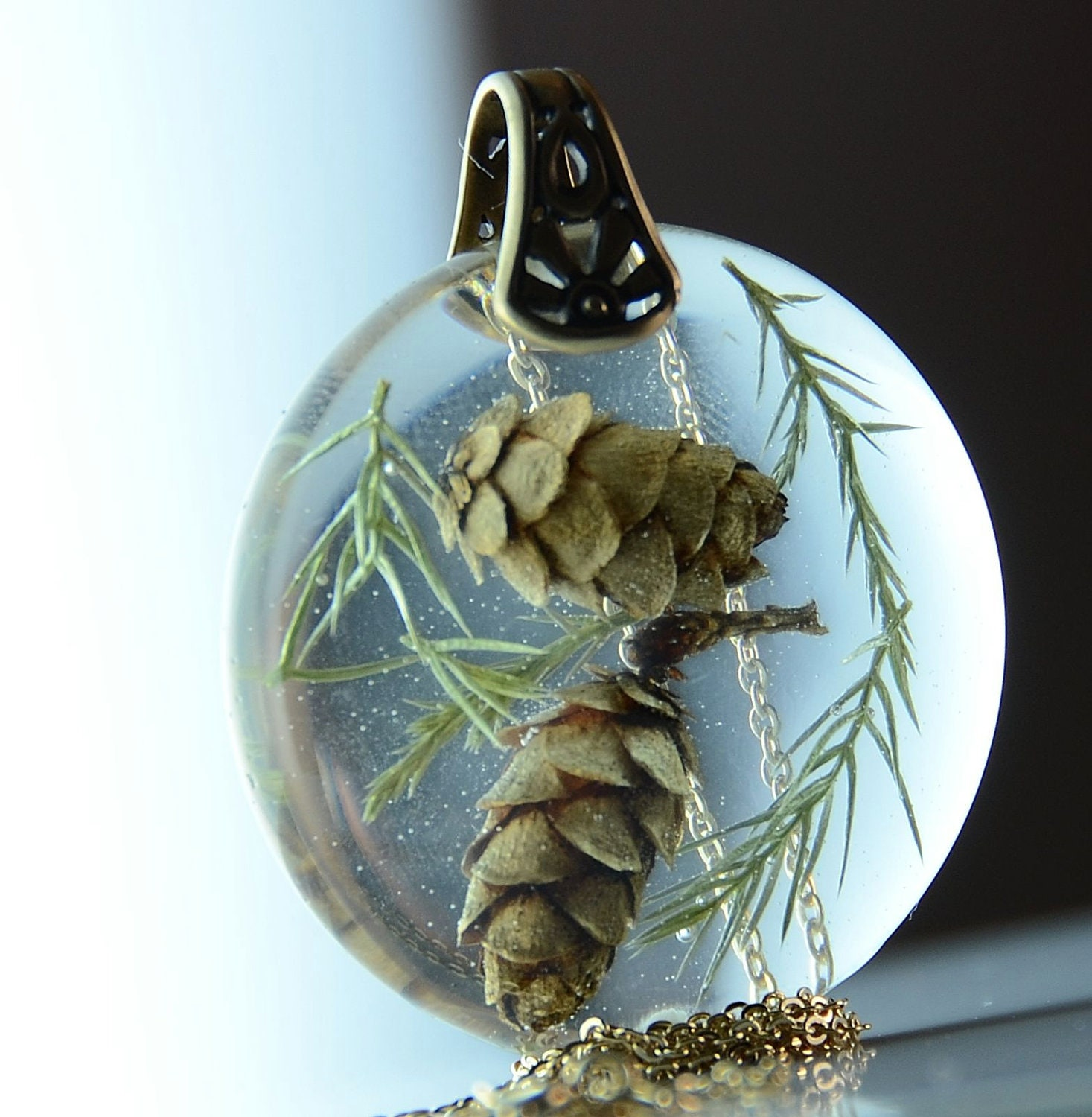 Pine Cones in Resin Necklace Set In Brass ,Botanical Nature Resin Jewelry - Beautiful2u