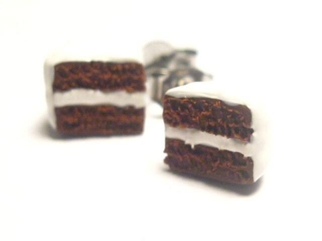 Chocolate cake slice stud earrings (Vanilla Frosting)