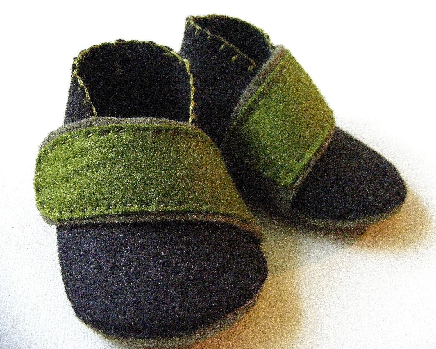 The Crossover - Black and Green Felt - Baby Boy Shoes - Baby Booties