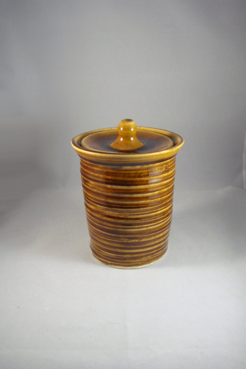 Brown Cookie Jar Kitchen Canister Hand Wheel Thrown Ceramic Pottery Ohio USA
