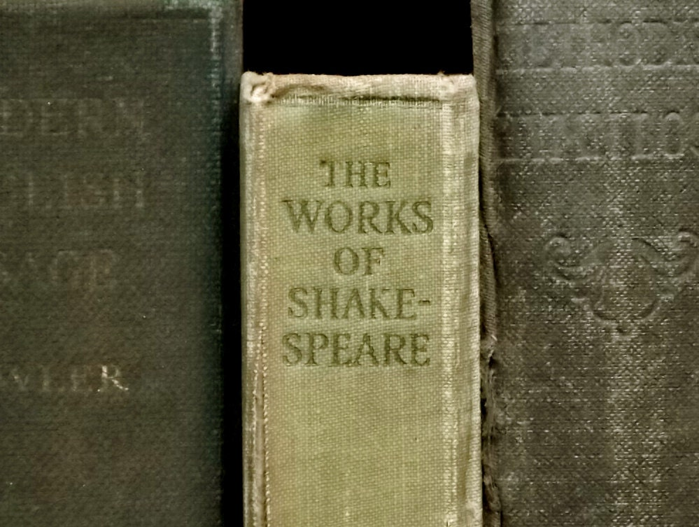 Frayed 1910s Complete Works of William Shakespeare - EAGERforWORD
