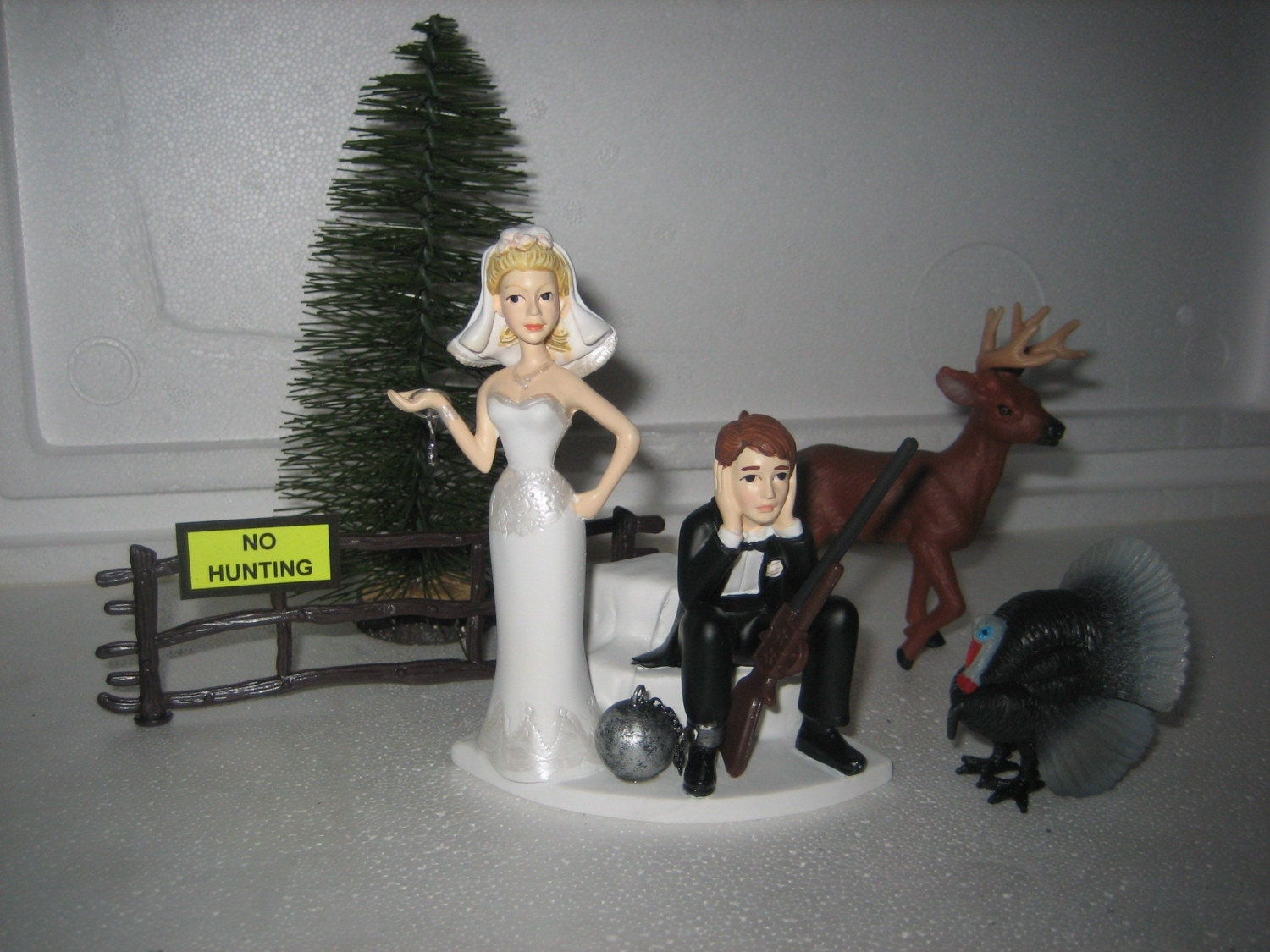 bride and groom cake toppers for wedding cakes