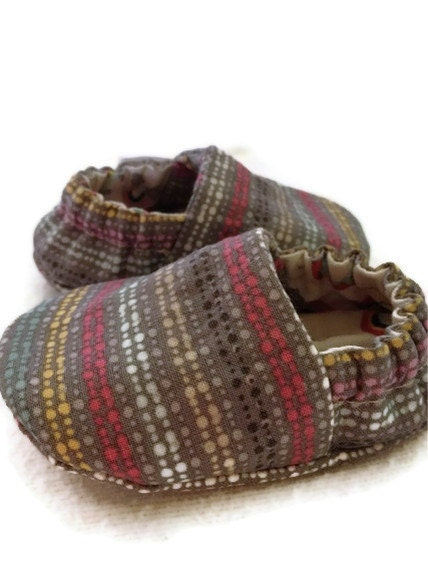 Gray Rainbow Stripes, Reversible Baby Shoes, available in sizess 0-18 months - LittleThreadWagon