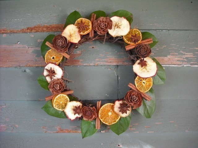 Fruit and Spice Potpourri wreath, Scented with Orange Spice Oil. - NHWoodscreations