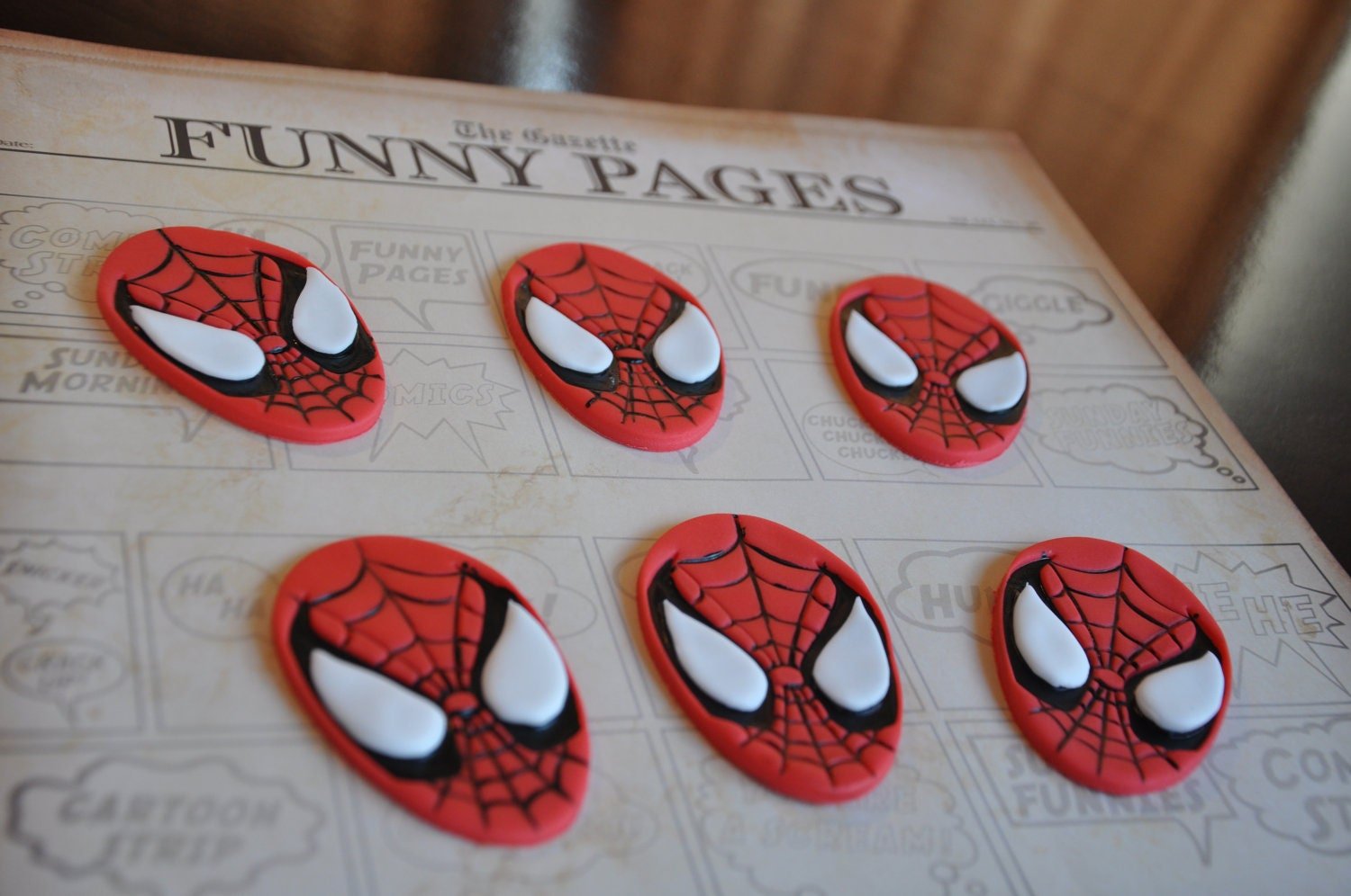 Fondant spiderman cupcake toppers - photo#17