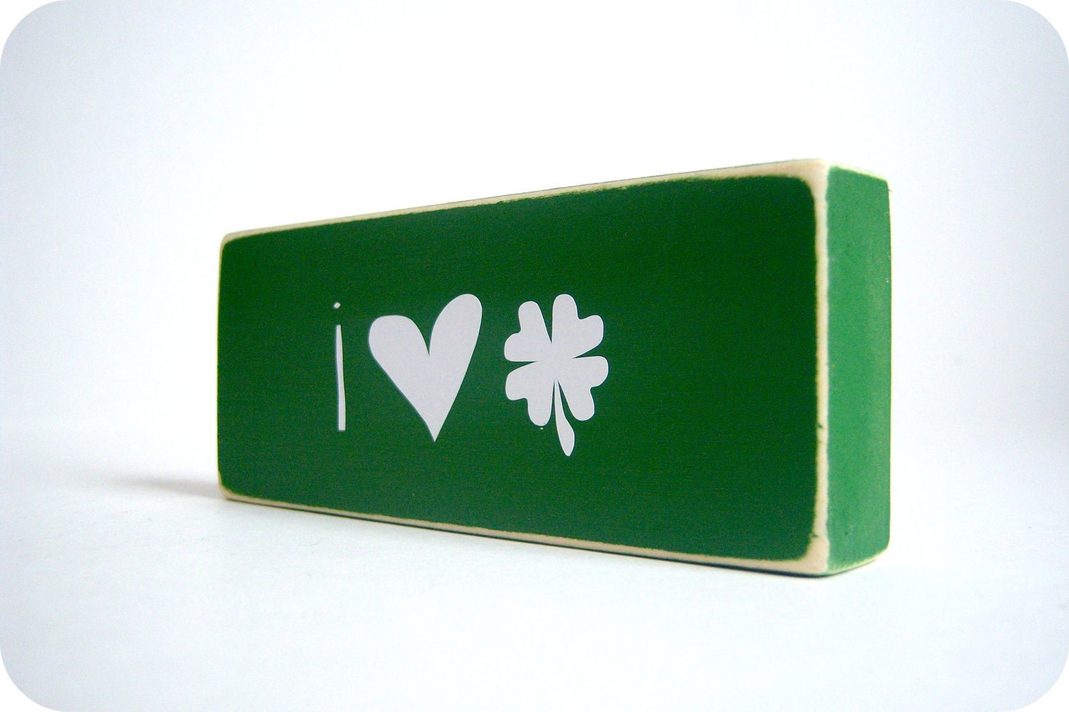I (Heart) Shamrocks. Happy Saint Patricks Day.