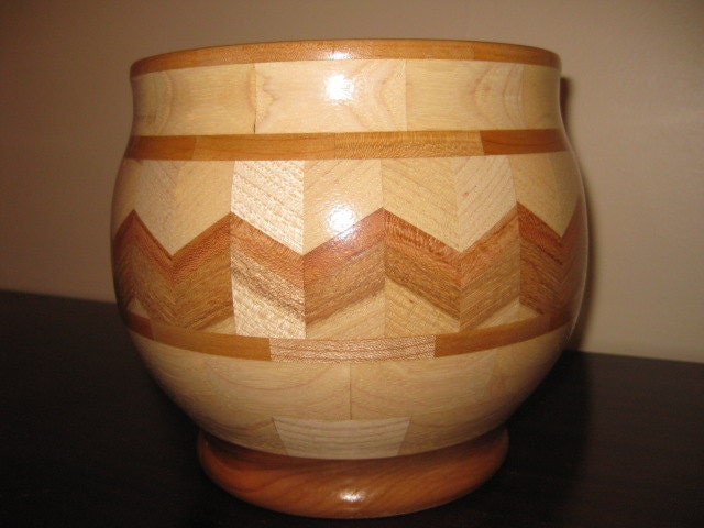 segmented wood bowl - timetoponder