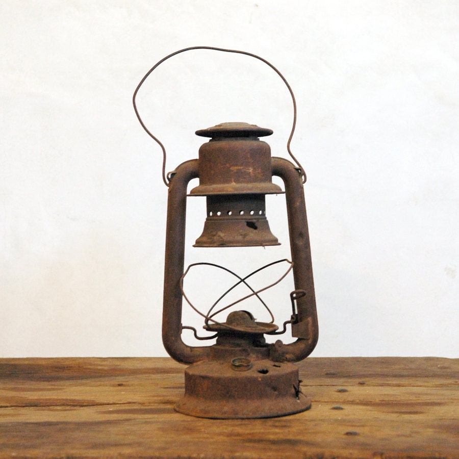 Antique Emory Lantern / Rusty Old Lantern - 86home