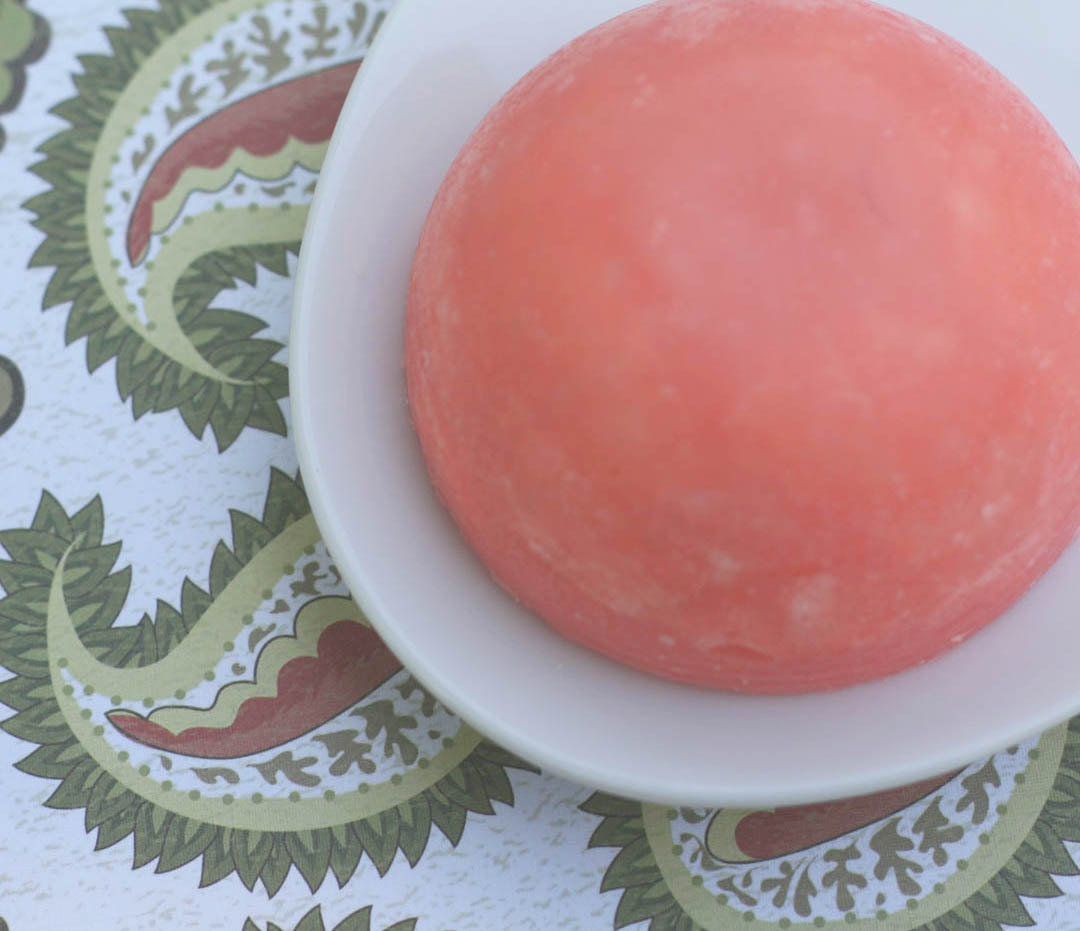 NEW Solid Bar Shampoo that Rocks Red Currant & Thyme