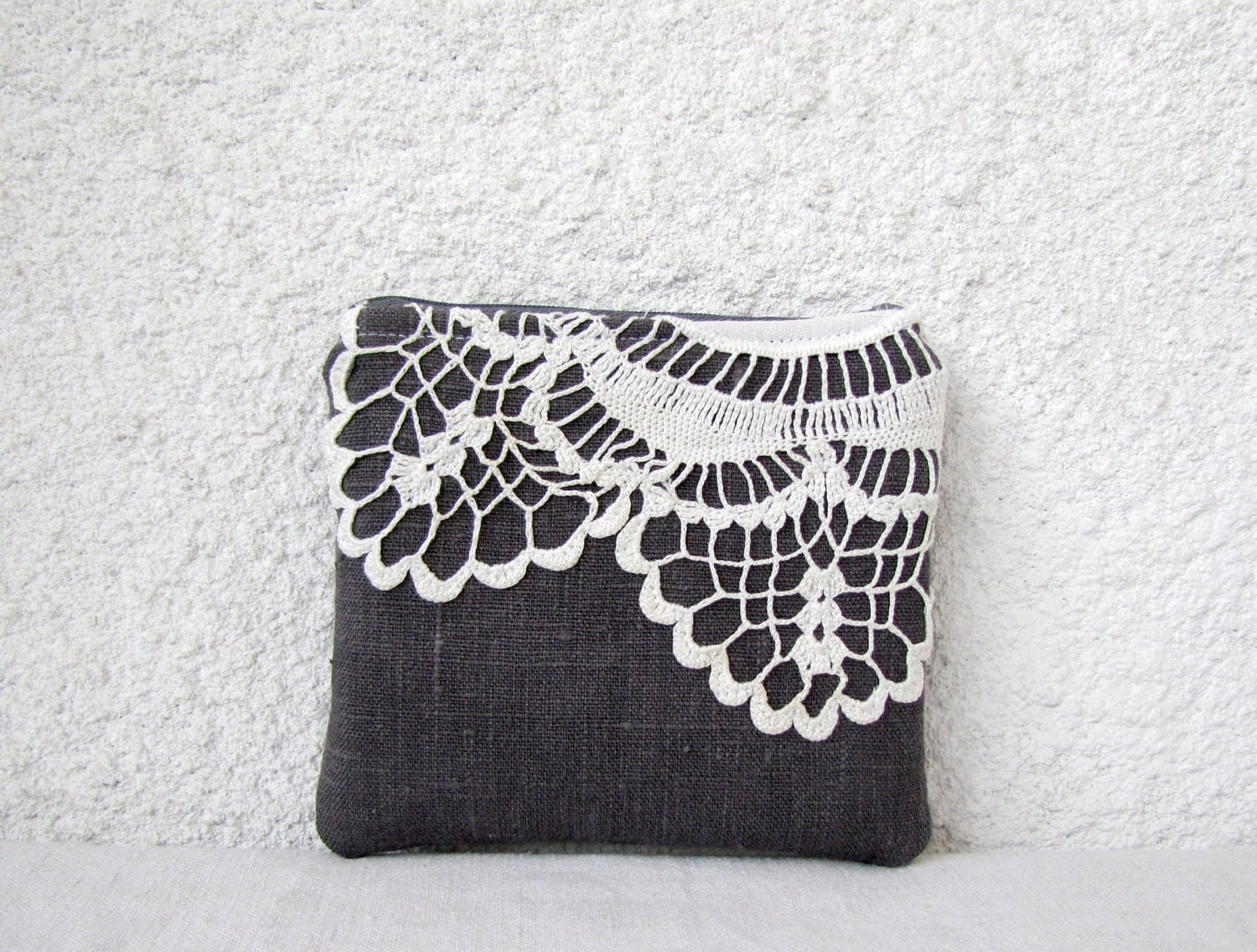 Cute little pouch  - Gray Linen and vintage lace doily