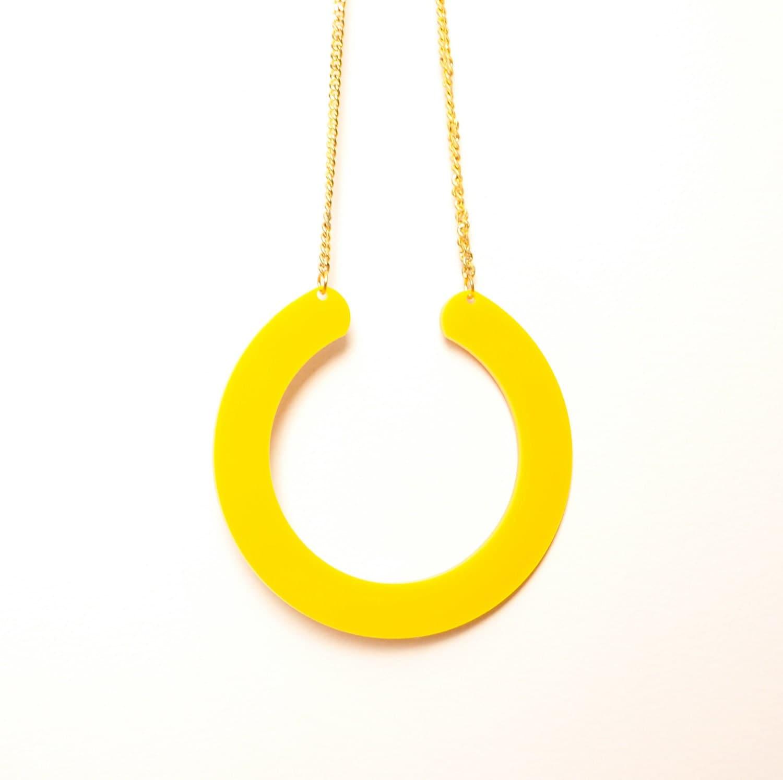 Yellow  U-shaped Acrylic Pendant Necklace