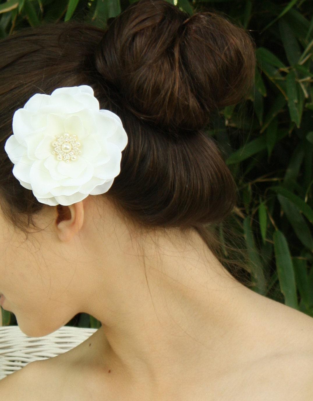 Ivory Whimsical Magnolia Bridal Hair Flower Accessory Fascinator by Virginiageigerjewels