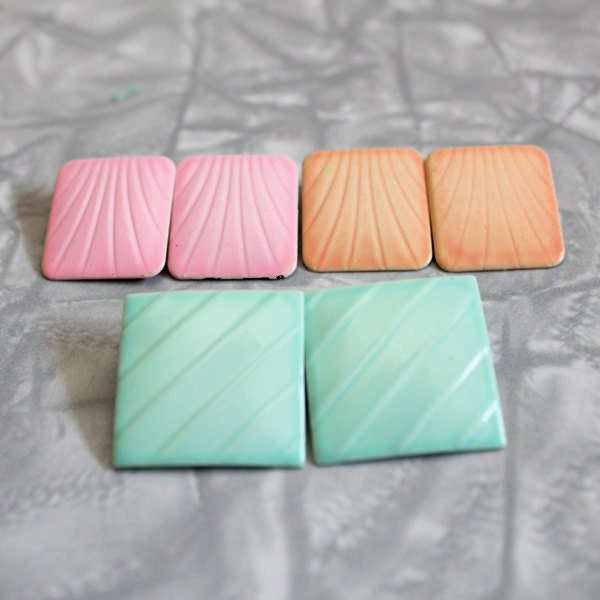 Set of 3 1980s pretty pastel square clip on earrings