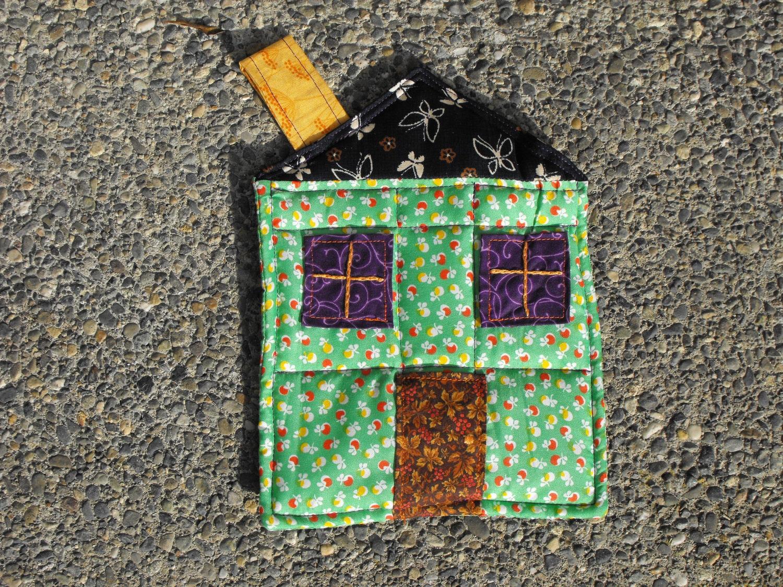 House Happy Pot Holder (no.6)