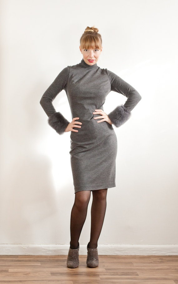 Gray Cashmere Blend Turtleneck Shift Dress With Shearling-trimmed Long Sleeves