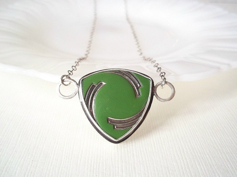 Art Deco Necklace. Vintage Green Glass Button in Sterling Silver. Unique Jewelry