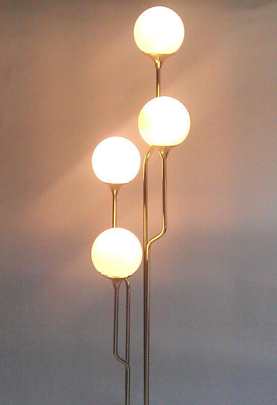 Floor lamp globe lights vintage tim and kim show for Retro globe floor lamp