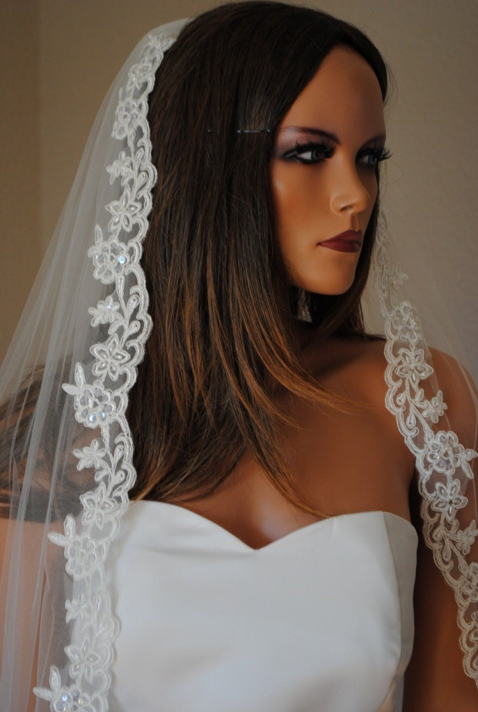 Noemi Waist Length Classic Veil with Beaded Lace Edge, Available in White and Ivory