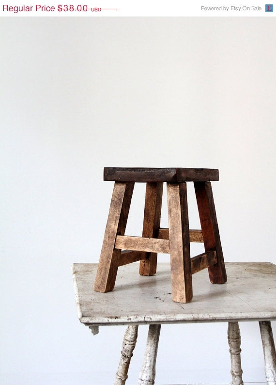 ON SALE Vintage Small Asian Stool // Riser - 86home