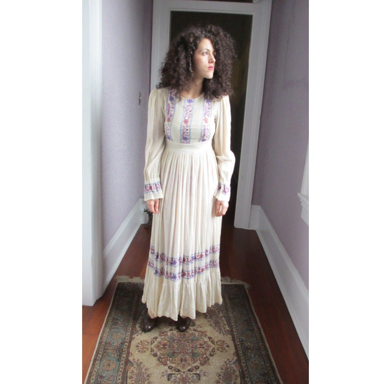 1060s Vintage Hippie Wedding Dress White Gauze embroidered India