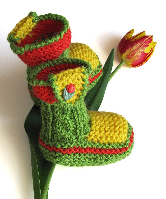 Baby booties Spring Tulips, hand knitted / 0-3M