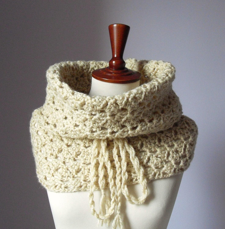 Giant Crochet  Cowl  - Cream - Silvia66