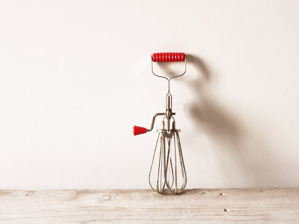 Vintage French egg beater, Old kitchen whisk, Crank mixer - FrenchFind
