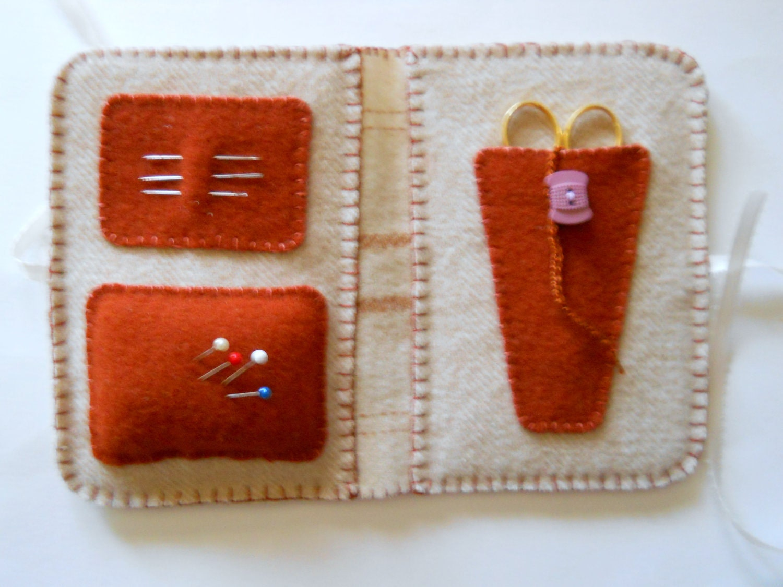 Needlebook - Honey Wool Design - Pincushion