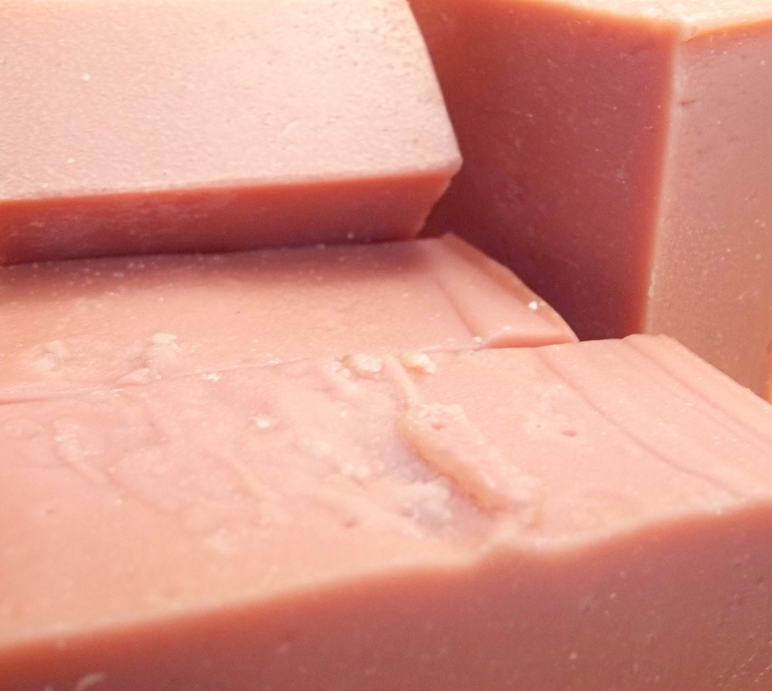 Sparkling Citrus Soap with French Pink Clay & Comfrey - Mundus