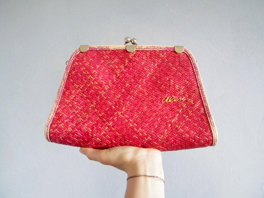 70s Boho Bag - Vintage Woven Straw Clutch Handbag Raspberry Red Distressed Purse Bag Ruby Red with Gold Logo - XZOUIX