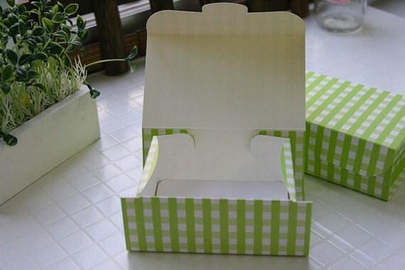 Green Check Gift Box (M)  - 4pcs
