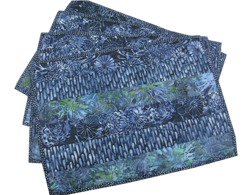Placemats Quilted in Blue Batik Stripes