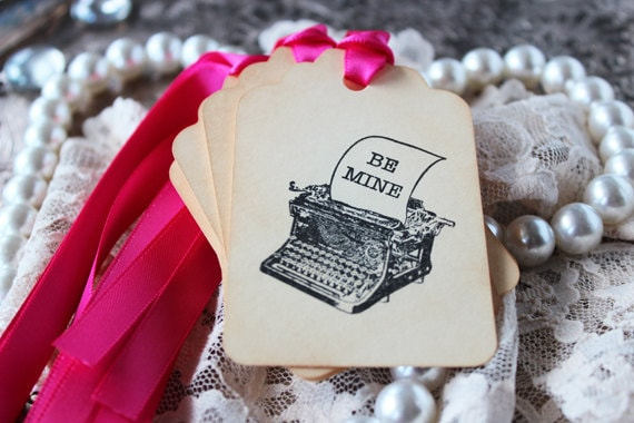 "Old typewriter ""Be Mine"" vintage gift tags - set of 6"