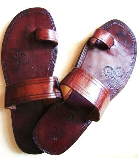 Single Band Leather Sandals - Handmade, Indian Leather Sandals, Custom made - ALL SIZES - IncredibleIndia