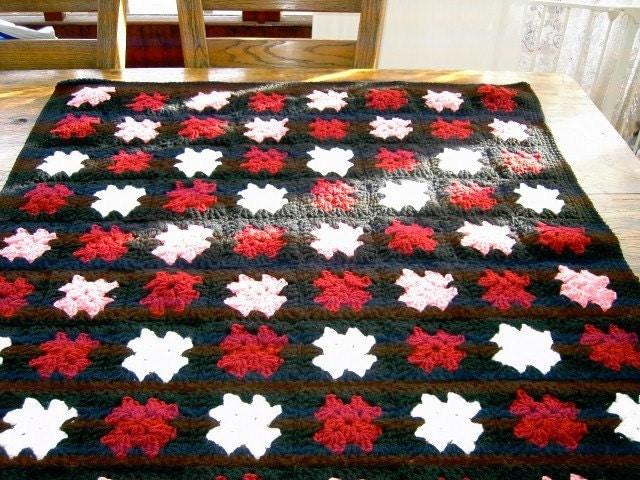 CROCHET BLANKET Handmade- White Red Pink  (nannycheryl original) 711 M